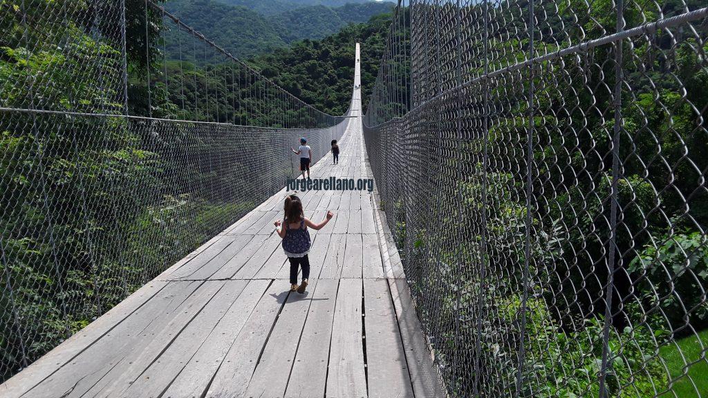 Puente el Jorullo de Canopy River